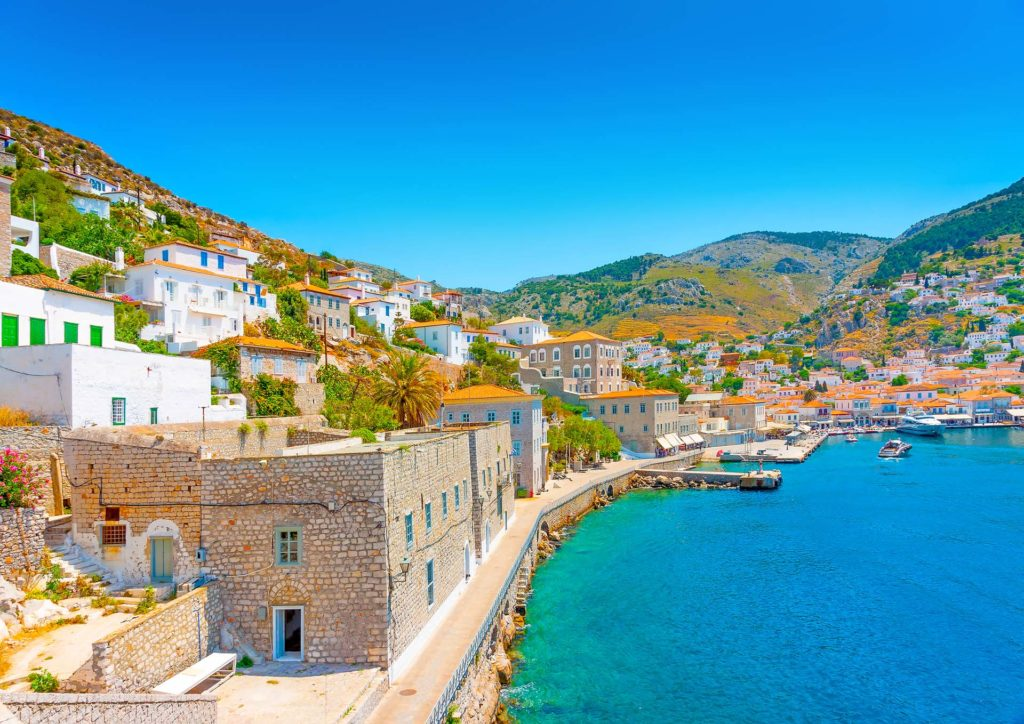 Rent a luxury catamaran to Hydra