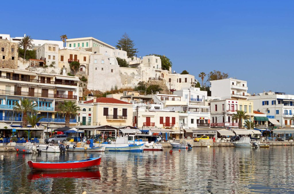 Rent a luxury catamaran to Naxos