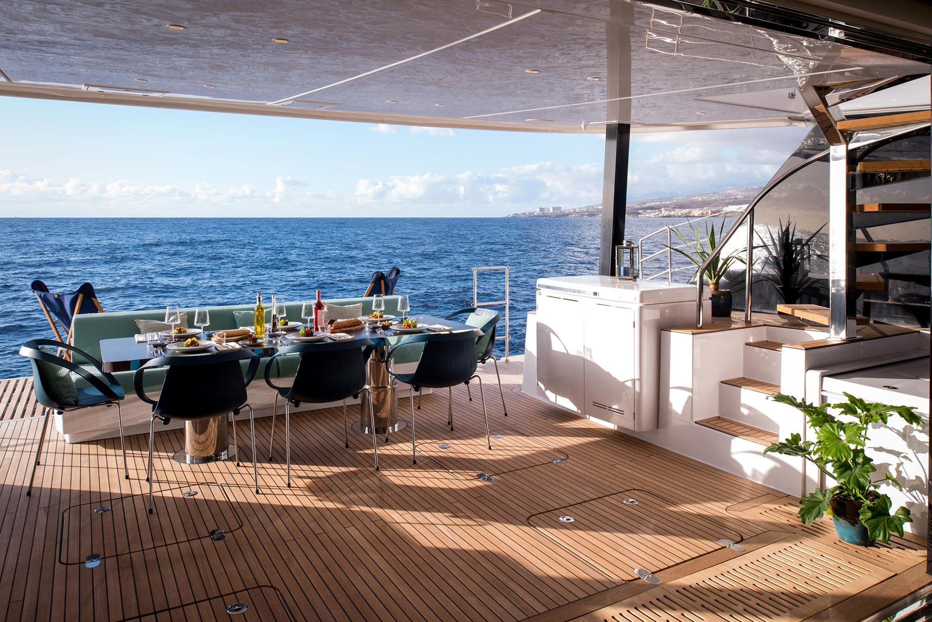 Sama - Luxury Catamaran for Hire